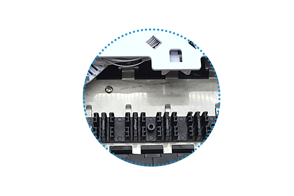 Detachable splicing tray with enough capacity,  make it convenient to splice and deploy fibers