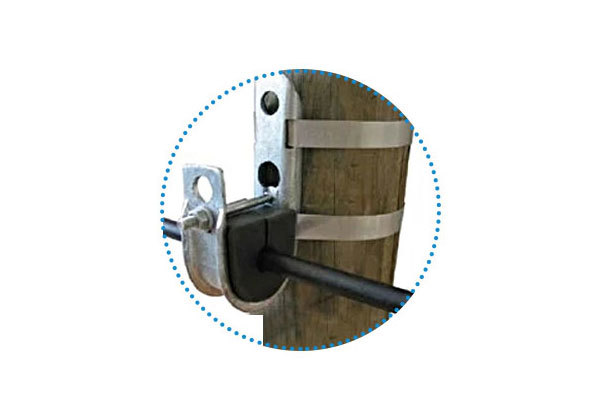 Secured with pole banding:The clamp can be installed on wood poles , round concrete poles, and polygonal metallic poles using one or two 20mm pole bands and two buckles.